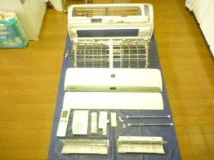 東京都大田区南六郷シャープお掃除機能付きエアコン分解パーツ類洗浄後