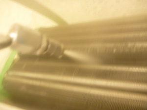 東京都豊島区池袋本町、シャープ2009年製AY-Y25SXアルミフィン(熱交換器)洗浄中