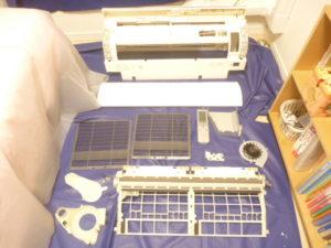 東京都豊島区池袋本町、シャープ2009年製AY-Y25SX分解パーツ類洗浄後