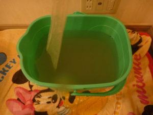 東京都大田区田園調布、東芝2012年製RAS-221NSエアコンクリーニング汚水