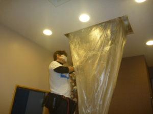東京都大田区-エアコンクリーニング業者、ライフサポートサービス「まごころ」エアコンクリーニング作業中