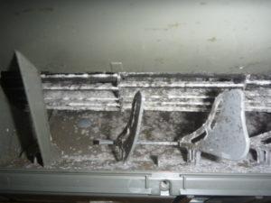 日立RAS-V25Bフィルター自動お掃除機能付きエアコンクリーニング前の画像
